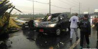 ลพบุรีพายุฤดูร้อนถล่ม ซุ้มเฉลิมพระเกียรติพังทับรถยนต์ เสียชีวิต 1 ราย