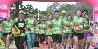 """ครั้งแรกในประเทศไทย นักวิ่งครึ่งหมื่น แห่วิ่ง ทุเรียน รัน """"จันทบุรี ซีนิค ฮาล์ฟมาราธอน 2018"""""""