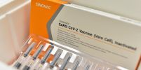 มาเลเซียชี้วัคซีนโควิด 'ซิโนแวค' และ 'ไฟเซอร์' มีประสิทธิภาพเท่าเทียมในการใช้งานจริง