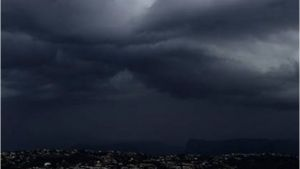 ฤทธิ์พายุฤดูร้อนยังไม่หมด! กรมอุตุฯ เตือน 30จว.ฝนถล่ม-ลมแรงมาก ระวังอันตราย