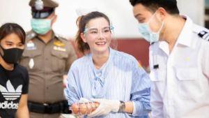 """""""ดิว อริสรา"""" ขอร่วมทำความดี แบ่งปันน้ำใจ ช่วยเหลือพี่น้องคนไทย!!"""