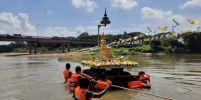 พิธีอัญเชิญพระประธานองค์จำลองสรงน้ำ ประเพณีดั้งเดิมวันสงกรานต์ของชาวท่าสาป จังหวัดยะลา