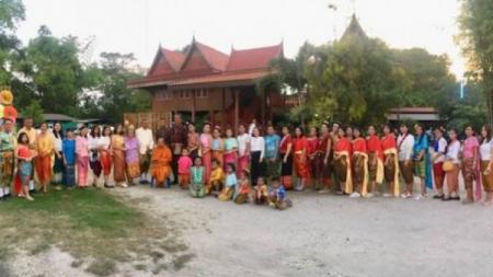 ชาวชุมชนมาบโป่ง  จ.ชลบุรี ร่วมงานประเพณีผ้าป่ามืดเก่าแก่ดั้งเดิมกว่า 100 ปี