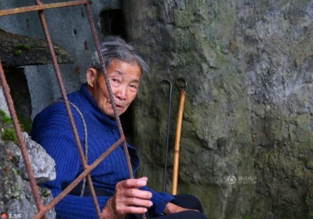 ชายชาวจีนสร้างสุสานอันเงียบสงบเพื่อตัวเอง และใช้บั้นปลายชีวิตที่เหลือ ณ ที่แห่งนี้…