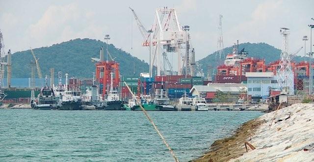 ศูนย์พยากรณ์เศรษฐกิจและธุรกิจ ม.หอการค้าไทย ประเมินจีดีพีปี 61 โต 4.2% ครั้งแรกในรอบ 6 ปี