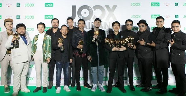 'ลาบานูน' วงดนตรีที่อยู่คู่กับวงการเพลงไทยมานาน คว้ารางวัลศิลปินยอดเยี่ยมแห่งปี