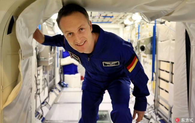 ผ.อ.องค์การอวกาศยุโรป  ส่งนักบินอวกาศเรียนภาษาจีนเพื่อเตรียมพร้อม