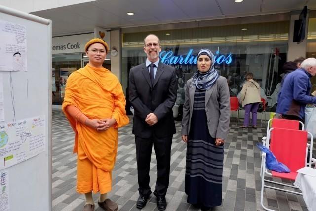 ศาสนิกชนทุกความเชื่อร่วมงานกล่าวแสดงธรรมเพื่อสันติภาพ ณ เมือง Woking ประเทศอังกฤษ