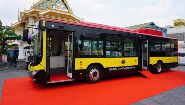 """แบรนด์คนไทย """"ควายทอง""""เปิดตัวรถเมล์ไฟฟ้าโดดเด่นด้วยแบตเตอรี่คุณภาพสูงจากสหรัฐอเมริกา"""