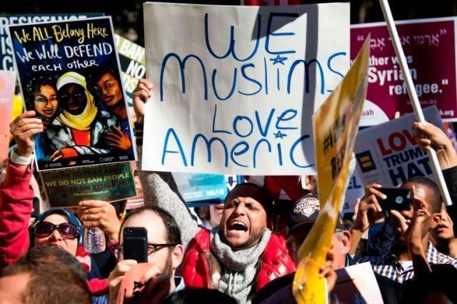 ศาลสูงสุดสหรัฐฯ มีคำสั่งอนุญาตให้บังคับใช้มาตรการแบน 6 ชาติมุสลิมเข้าประเทศ