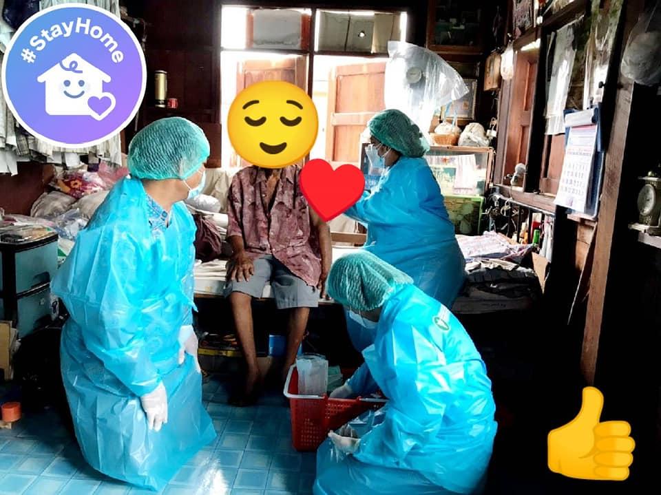 ทีม รพ.สามโคกลุยฉีดวัคซีนเชิงรุกถึงบ้าน