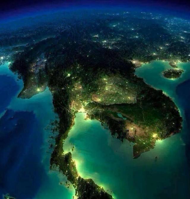 """""""ประเทศไทยเป็นประเทศที่โชคดีที่สุดในโลก!!!"""