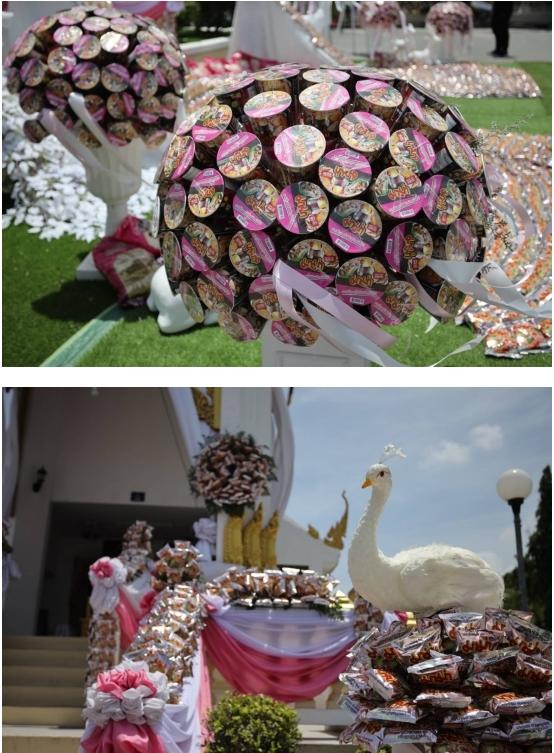 โคราชจัดงานศพเก๋ไก๋ งานศพเมรุปันสุข ตกแต่งด้วยบะหมี่กึ่งสำเร็จรูป -ข้าวสาร
