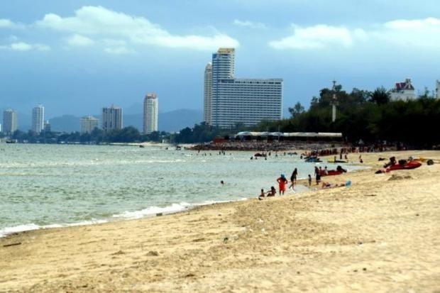 เริ่มใช้แล้ววันนี้ 1 ก.พ. 2561 กฎหมายห้ามสูบบุหรี่บริเวณชายหาด 24 แห่งใน 15 จังหวัดทั่วไทย