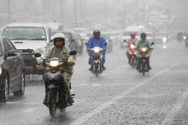 กรมอุตุนิยมวิทยา เผยไทยมีฝนตกลดน้อยลง- กทม. มีฝน 40%