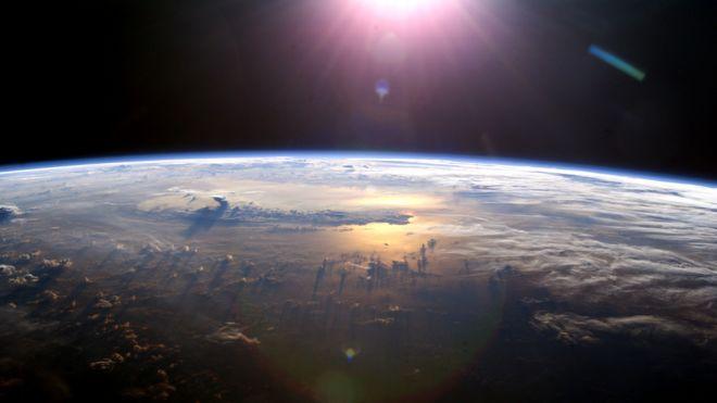 ทีมนักวิทยาศาสตร์เตรียมทดลองฉีดสเปรย์ลดโลกร้อนในชั้นบรรยากาศปีหน้า