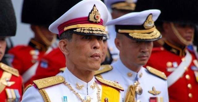 """สำนักพระราชวัง ประกาศให้เรียกพระนามใหม่ ร.ที่ 10 ตั้งแต่ 2 ธ.ค. 2559 """"สมเด็จพระเจ้าอยู่หัวมหาวชิราลงกรณ บดินทรเทพยวรางกูรฯ"""""""