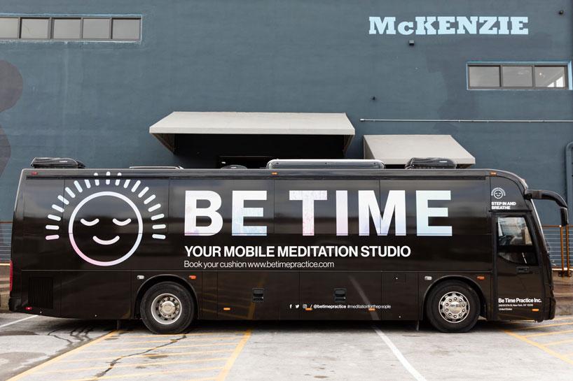 """นั่งสมาธิบนรถเคลื่อนที่ กับ """"Be time bus"""""""