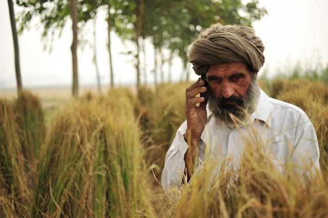 """เหตุผลที่ 'WhatsApp' ได้รับความนิยมสูงมากในอินเดีย คำตอบอาจคุ้นๆ หน่อยคือ """"คนแก่นิยม"""""""