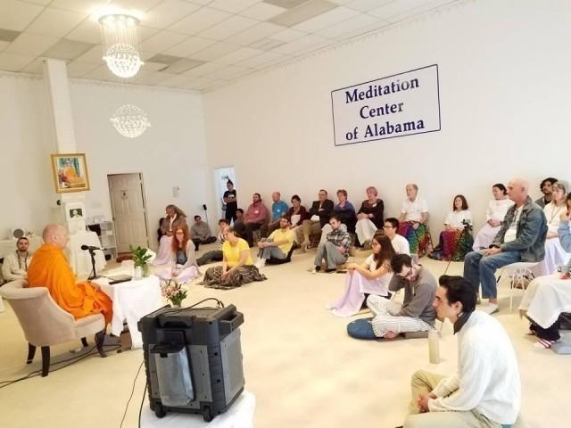 ชาวอเมริกันกว่า 150 คนในรัฐอะลาบามา!!!มาฟังธรรม-ปฏิบัติธรรมกับพระดร.นิโคลัส ฐานิสฺสโร
