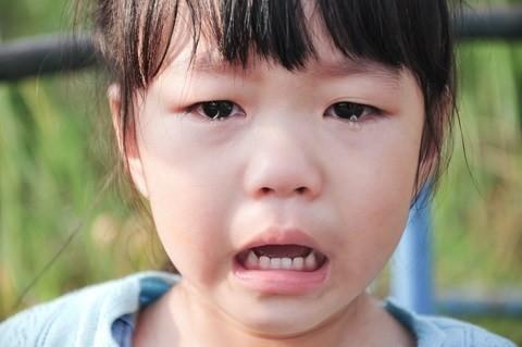 """7ข้อ ที่พ่อแม่มักพูดและกระทำ โดยไม่รู้ว่า """"ลูกเสียใจ"""""""