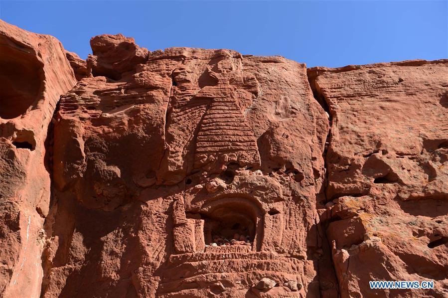 ส่อง 'ถ้ำหินอาเอ่อร์ไจ้' แหล่งพุทธศิลป์เลอค่าบนทุ่งหญ้ามองโกเลีย