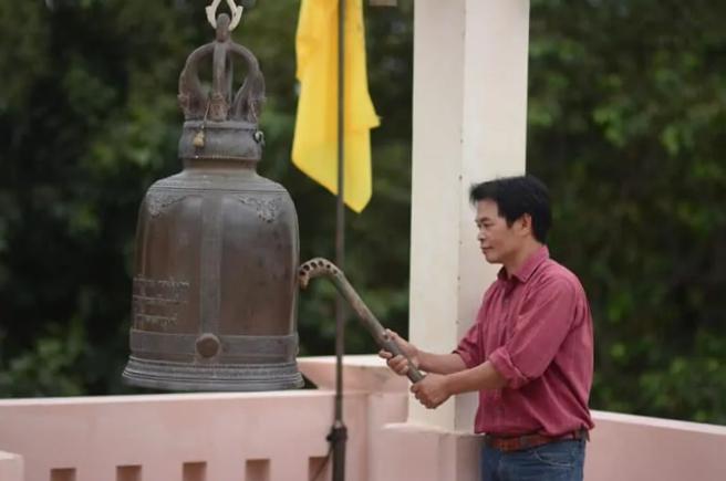 สักการะพระพุทธมหาธรรมราชาฯ องค์ใหญ่ที่สุดในโลก จ.เพชรบูรณ์