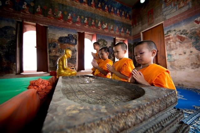 敬邀十方善信 护持建造曙光 修行中心之禅堂。