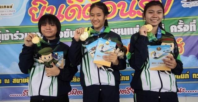 """""""น้องครีม""""นักแม่นปืนดาวรุ่งทีมไทยอายุ13ปี เรียนม.2 พาทีมกทม.คว้าเหรียญทอง ปืนสั้นสตรี 25 ม."""