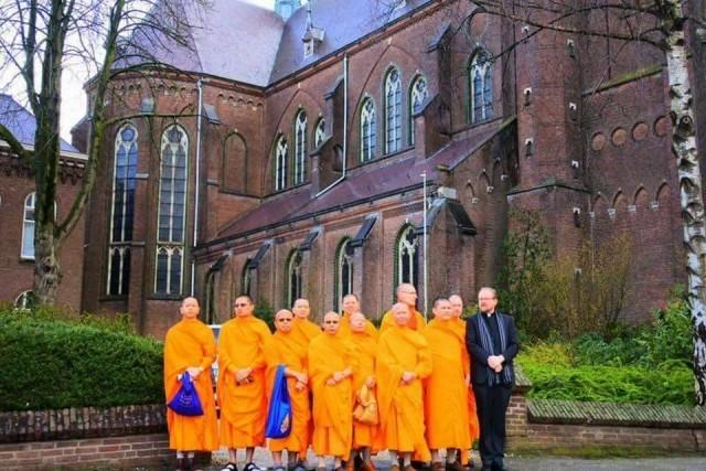 อดีตโบสถ์คาทอลิก...สู่วัดในพระพุทธศาสนา...ประเทศเนเธอร์แลนด์