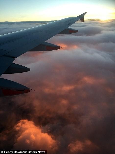 สีสันของท้องฟ้าเสมือนทะเลไฟ