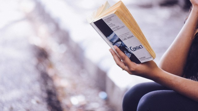 เว็บไซต์ World Economic Forum เผยแพร่ผลวิจัย อ่านหน้าจอจำยากกว่าอ่านจากตำรา..?