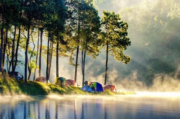 12 ที่เที่ยวหน้าร้อนพักผ่อนเย็น ๆ ทั่วไทย วิวสวยเอาใจไปเลย