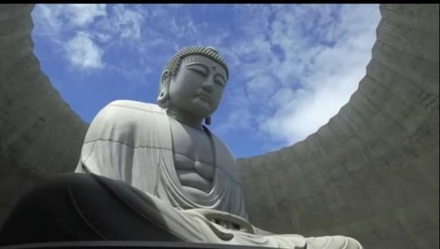 สวยจนตะลึง !พุทธรูปกลางทุ่งลาเวนเดอร์ Makomanai Takino ที่ซัปโปโร เกาะฮอกไกโด ญี่ปุ่น