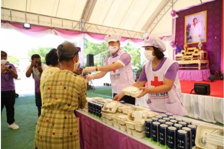 โคราชจัดโรงครัวพระราชทาน อุปนายิกา ผอ.สภากาชาดไทย