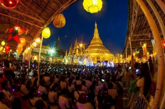 เทศกาลตาดิงยุต หรืองานฉลองโคมประทีป ช่วงออกพรรษา ของประเทศเมียนมาร์
