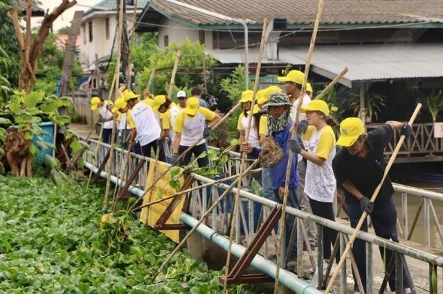 เดินหน้าโครงการ 'สิงห์อาสา' รวมพลังกำจัดผักตบชวาชุมชนวัดบางขัน ปทุมธานี