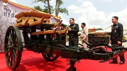 เคลื่อนย้ายราชรถปืนใหญ่ส่วนหน้า จากกรมสรรพาวุธทหารบก มาเก็บไว้ที่โรงราชรถ พิพิธภัณฑ์สถานแห่งชาติ